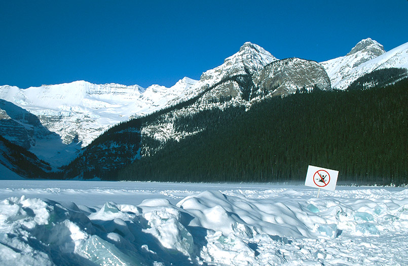 Am Lake Louise - der See gab dem Skiort seinen Namen.
