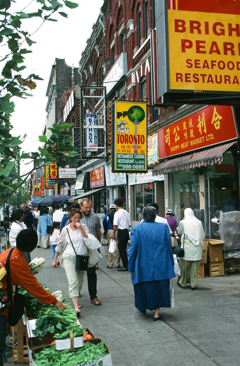 Toronto multi-kulti: Unterwegs auf der Spadina Avenue von Chinatown