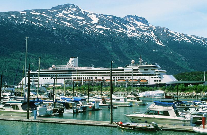 Auf Kreuzfahrt in Alaska: der Hafen von Skagway