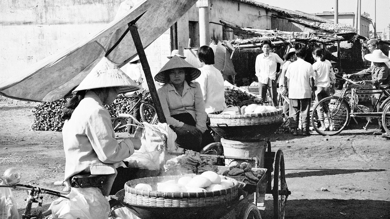 Haikou: Markt in Wanning 1990. Foto: Hilke Maunder