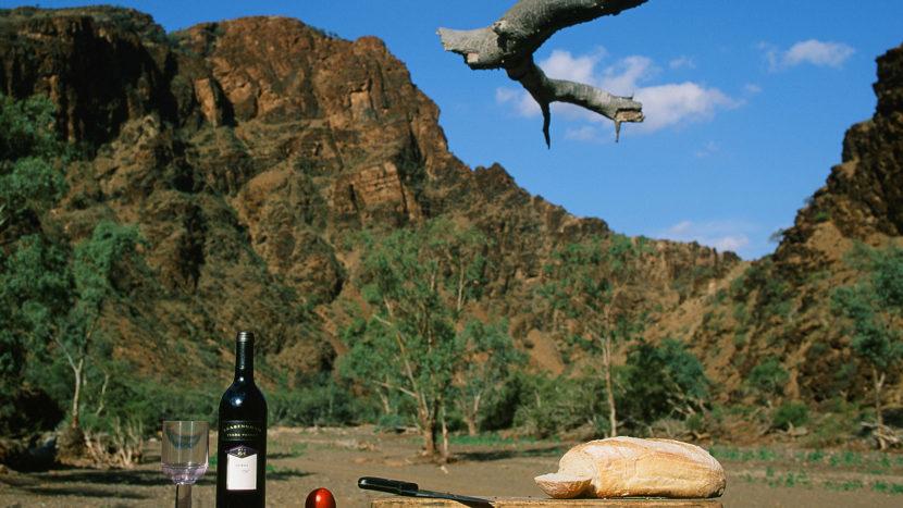 Südaustralien: Food-Foto-Shooting in der Parachilna Gorge der Flinders Ranges. Foto: Hilke Maunder