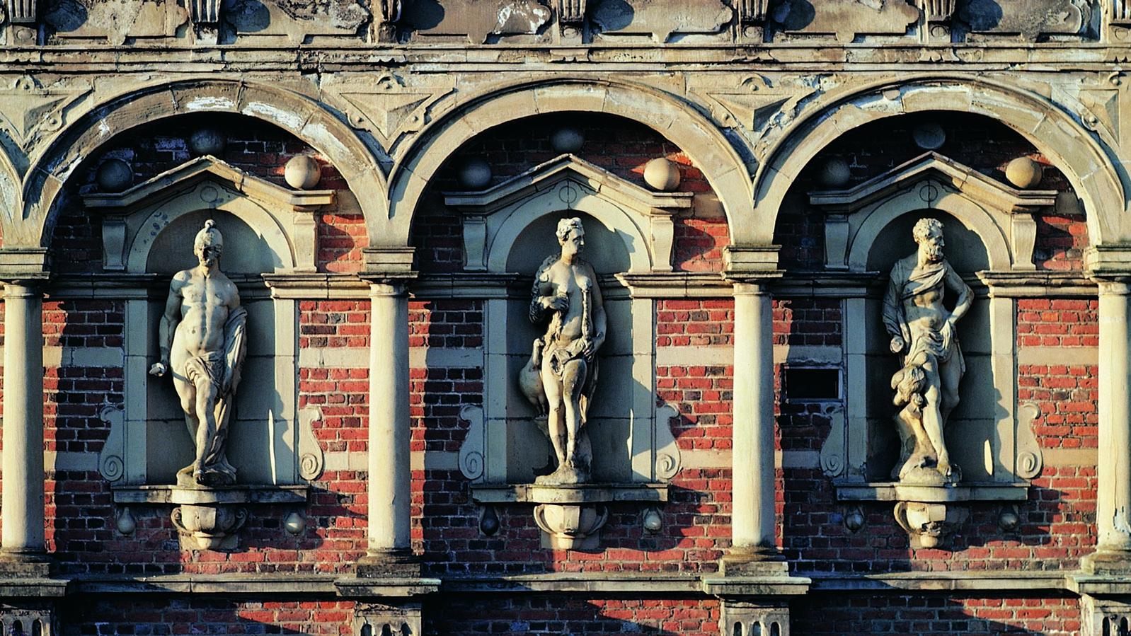 Seeland: Fassadenschmuck von Slot Frederiksborg. Foto: Pressebild Visit Denmark&Ted Fahn