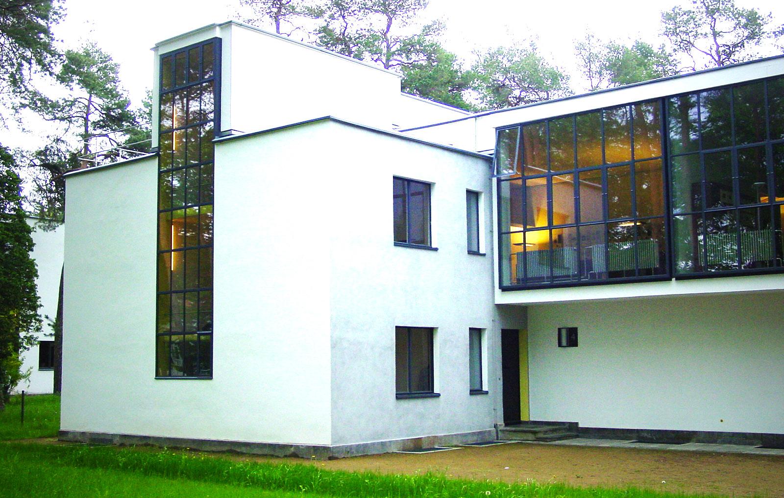 Blaues Band, Dessau. Die Meisterhäuser in der Ebertallee, hier: Haus Mucha/Schlemmer. Foto: Hilke Maunder