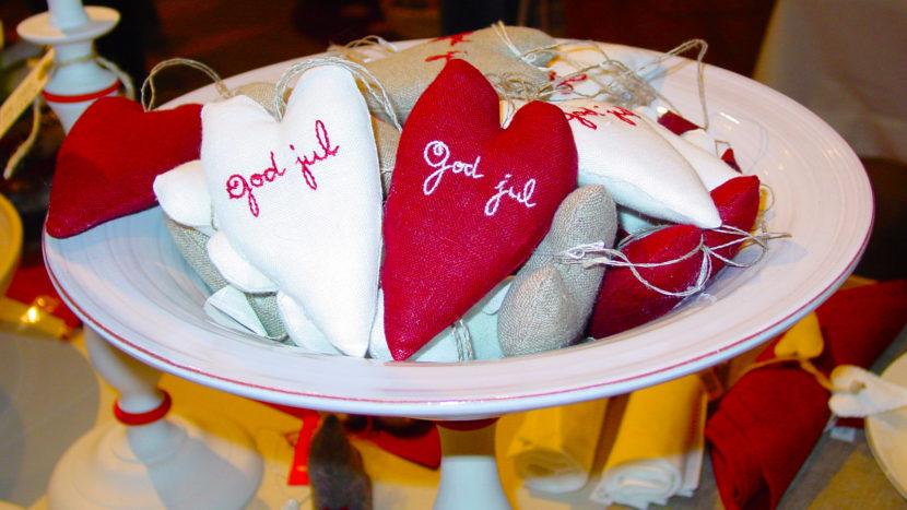 """Weihnachten am Öresund: Zur """"juleid"""" gehört rot-weiß. Foto: Hilke Maunder"""