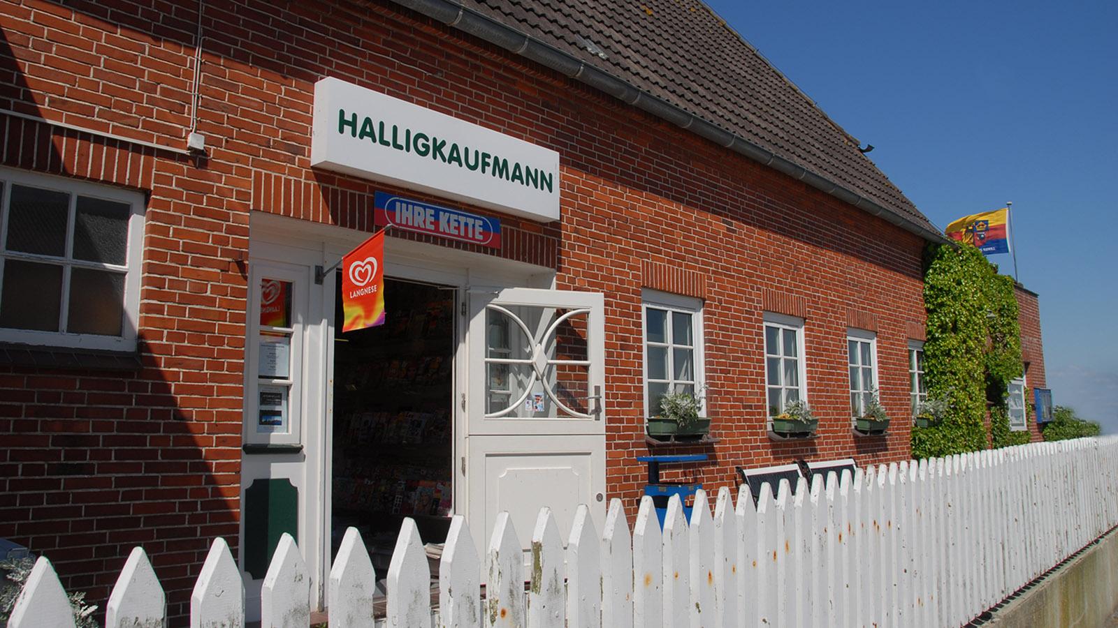Der einzige Supermarkt auf Hooge: der Halligkaufmann. Foto: Hilke Maunder