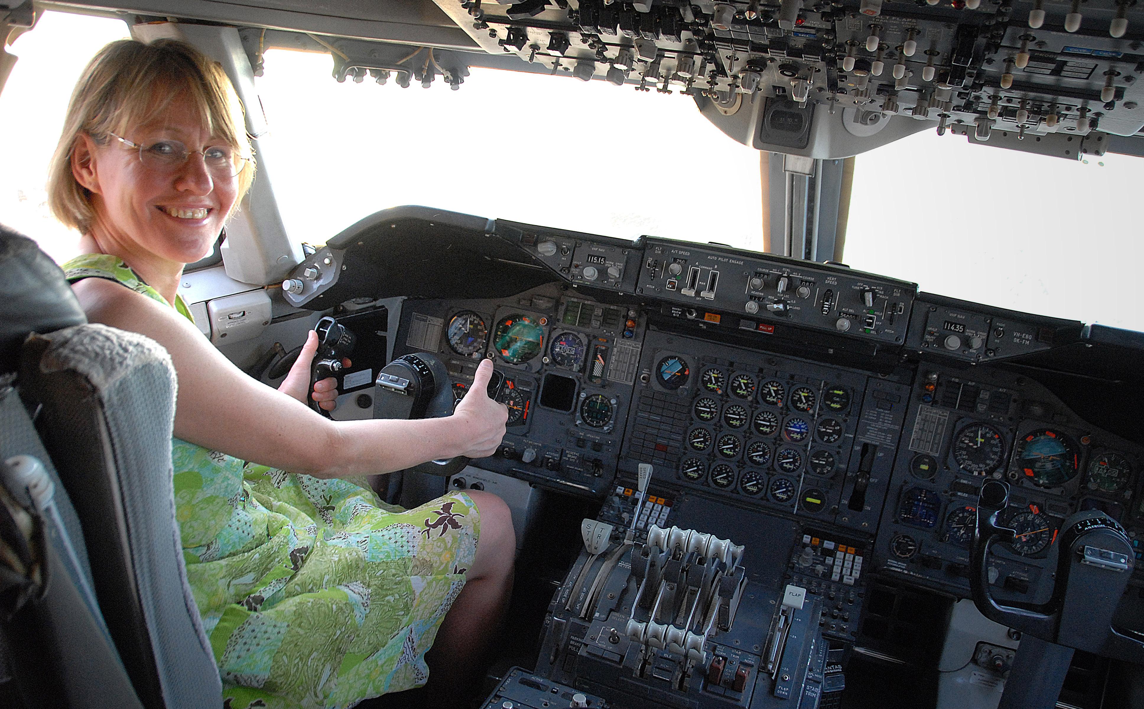 Im Cockpit einer Boeing 747-200 – im Qantas Founders Museum von Longreach. Foto: Hilke Maunder