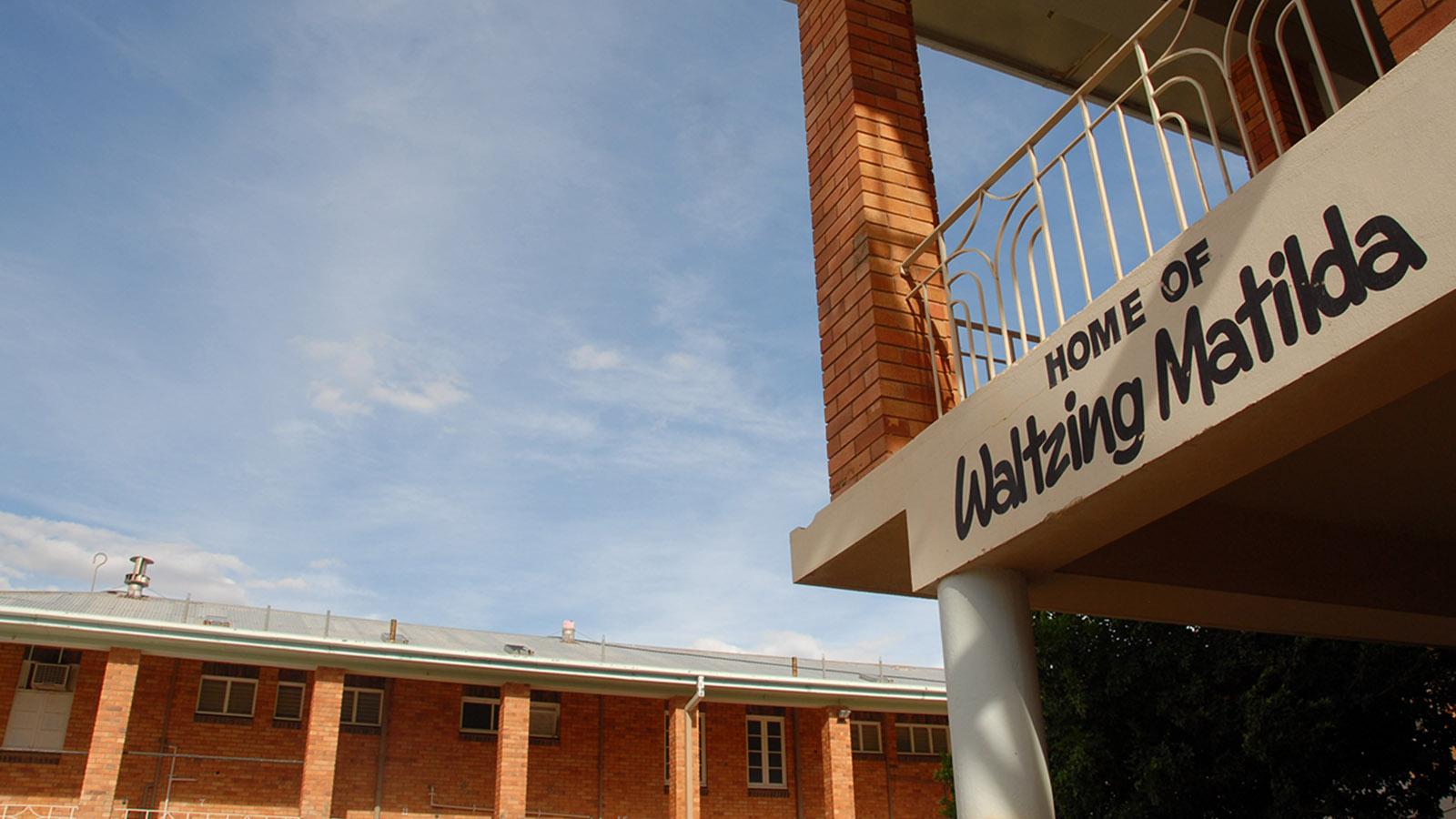 """Im North Gregory Hotel von Witon wurde """"Waltzing Matilda"""" erstmals öffentlich aufgeführt. Foto: Hilke Maunder"""
