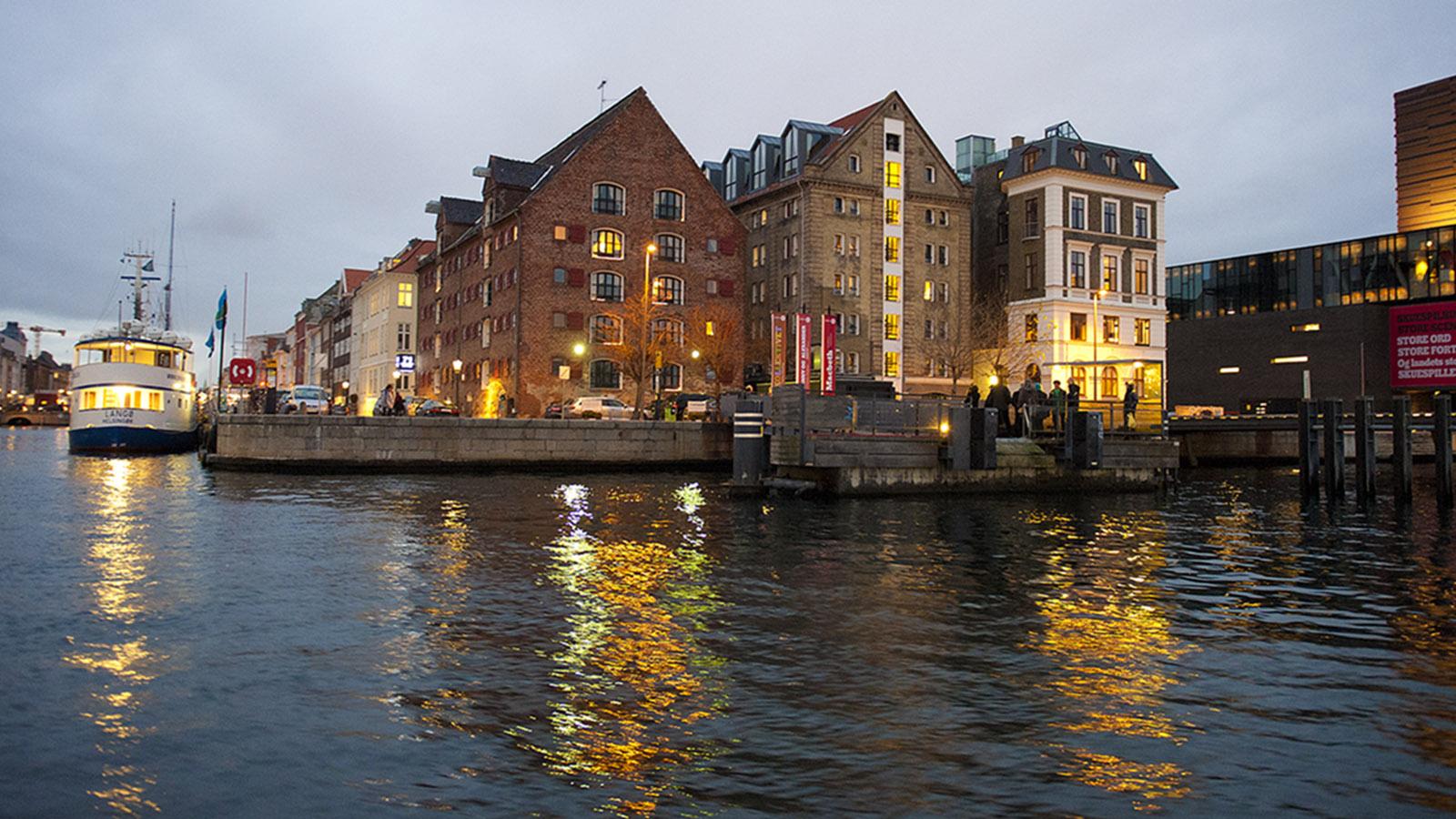 Grünes Kopenhagen. Blick auf das Schauspielhaus (r.) und Nyhavn. Foto: Hilke Maunder