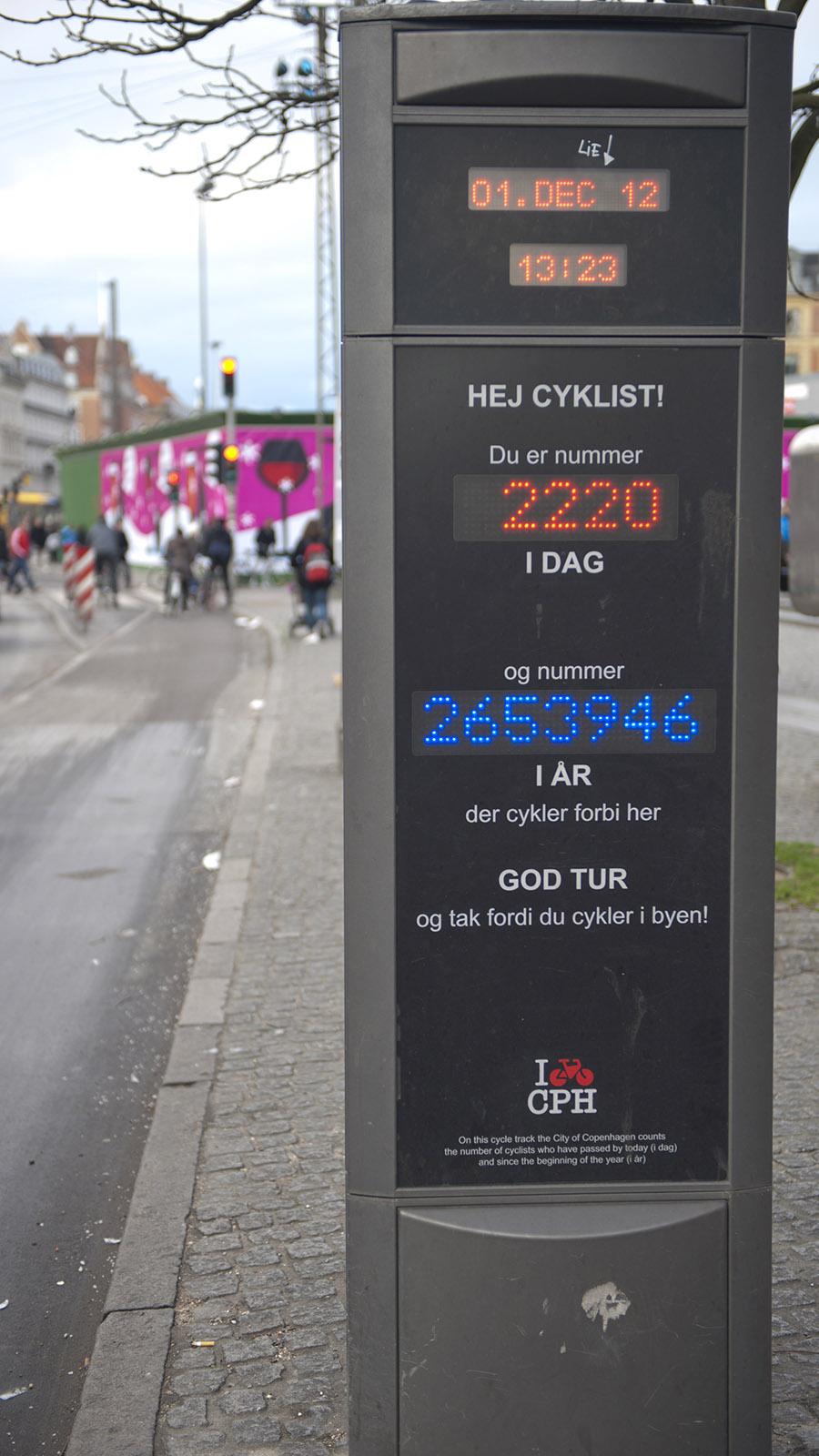 Grünes Kopenhagen: Am Rathausplatz erfasst Kopenhagen die Radfahrer-Frequenz. Foto: Hilke Maunder