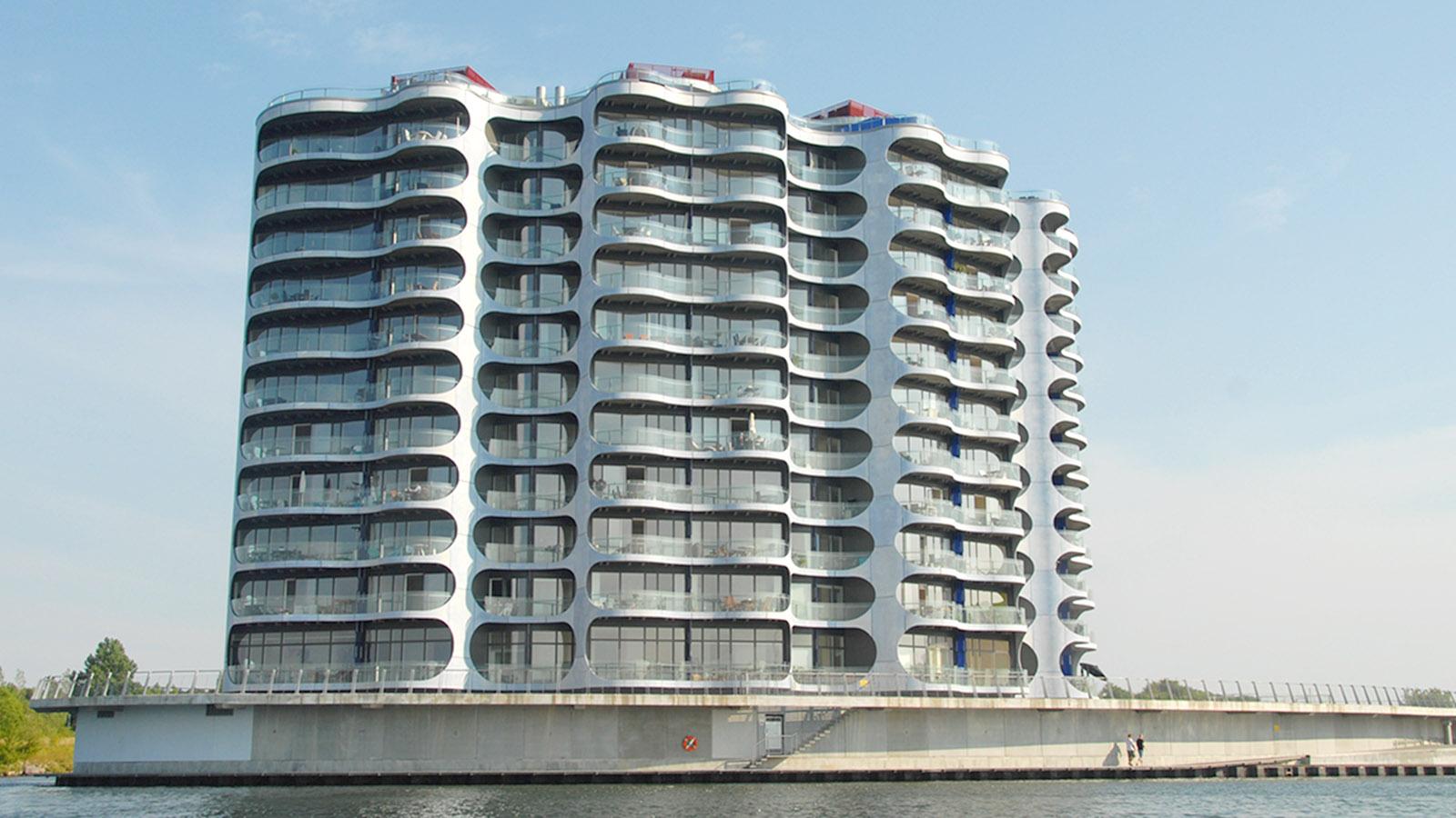 Grünes Kopenhagen: Das Metropolis-Wohngebäude bei Sluseholmen. Foto: Hilke Maunder