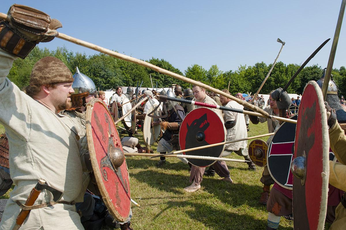 Auch im Hinterland des OFL ist viel los. Besonders beim Slawenfest. Immer mit dazu gehört der Kampf um Starigard. Foto: Hilke Maunder