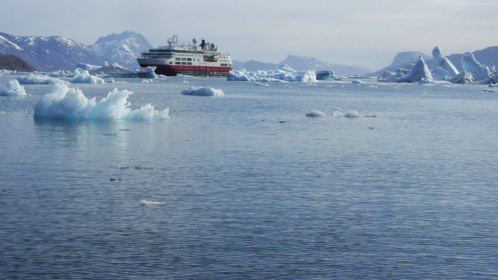 MS Fram im Eisfjord. Foto: Hilke Maunder