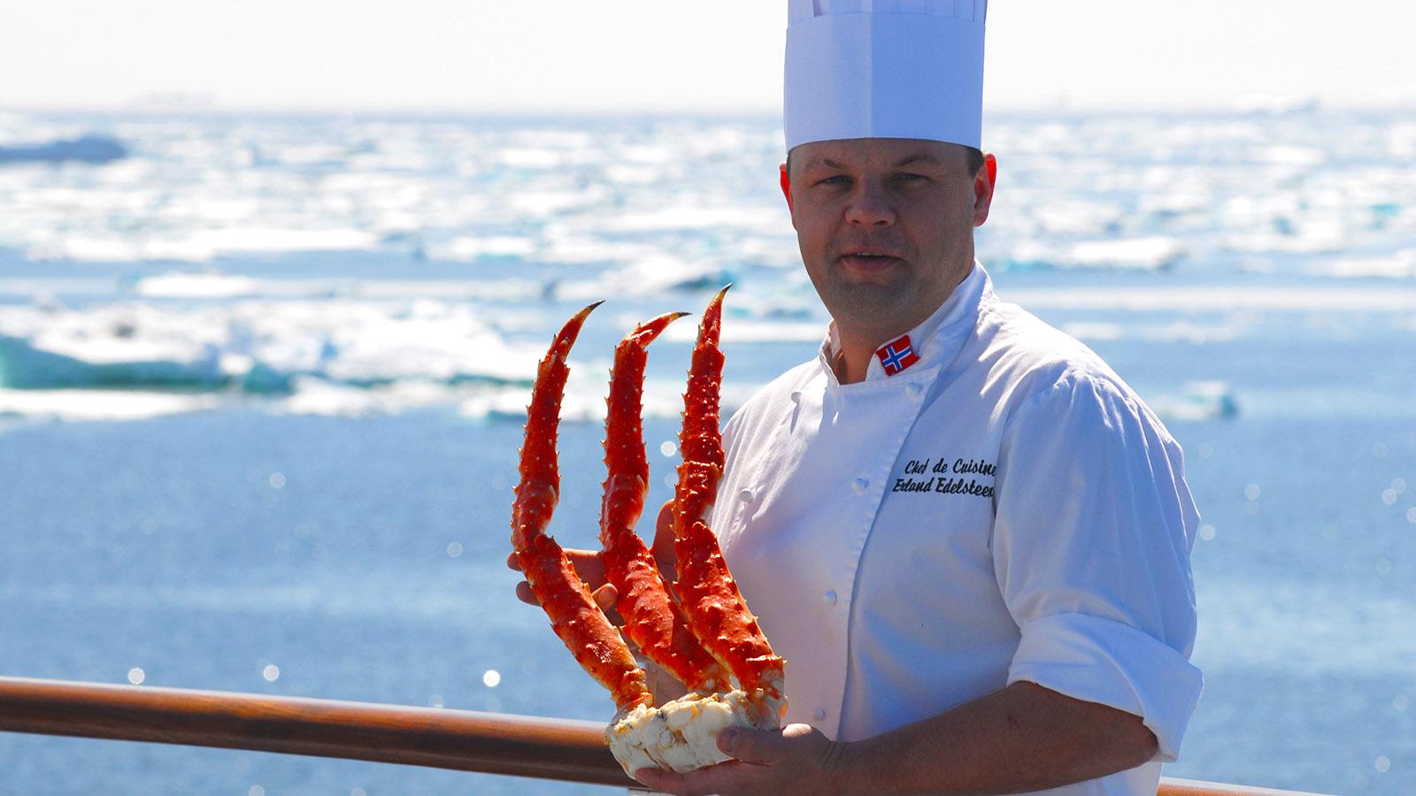 Mit MS Fram in Grönland. Königskrabbe aus dem arktischen Meer... der Küchenchef der MS Fram serviert lokale Küche an Bord. Foto: Hilke Maunder