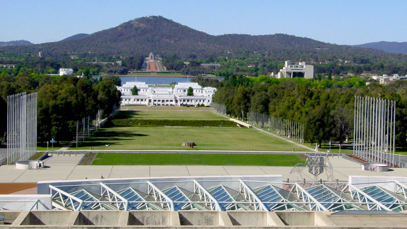 Canberra: Blick vom New Parliament aufs Old Parliament. Foto: Hilke Maunder