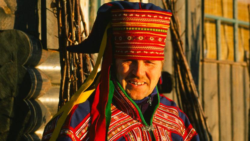 Levi: Rekka Jussila in der Tracht der Samen. Foto: Hilke Maunder