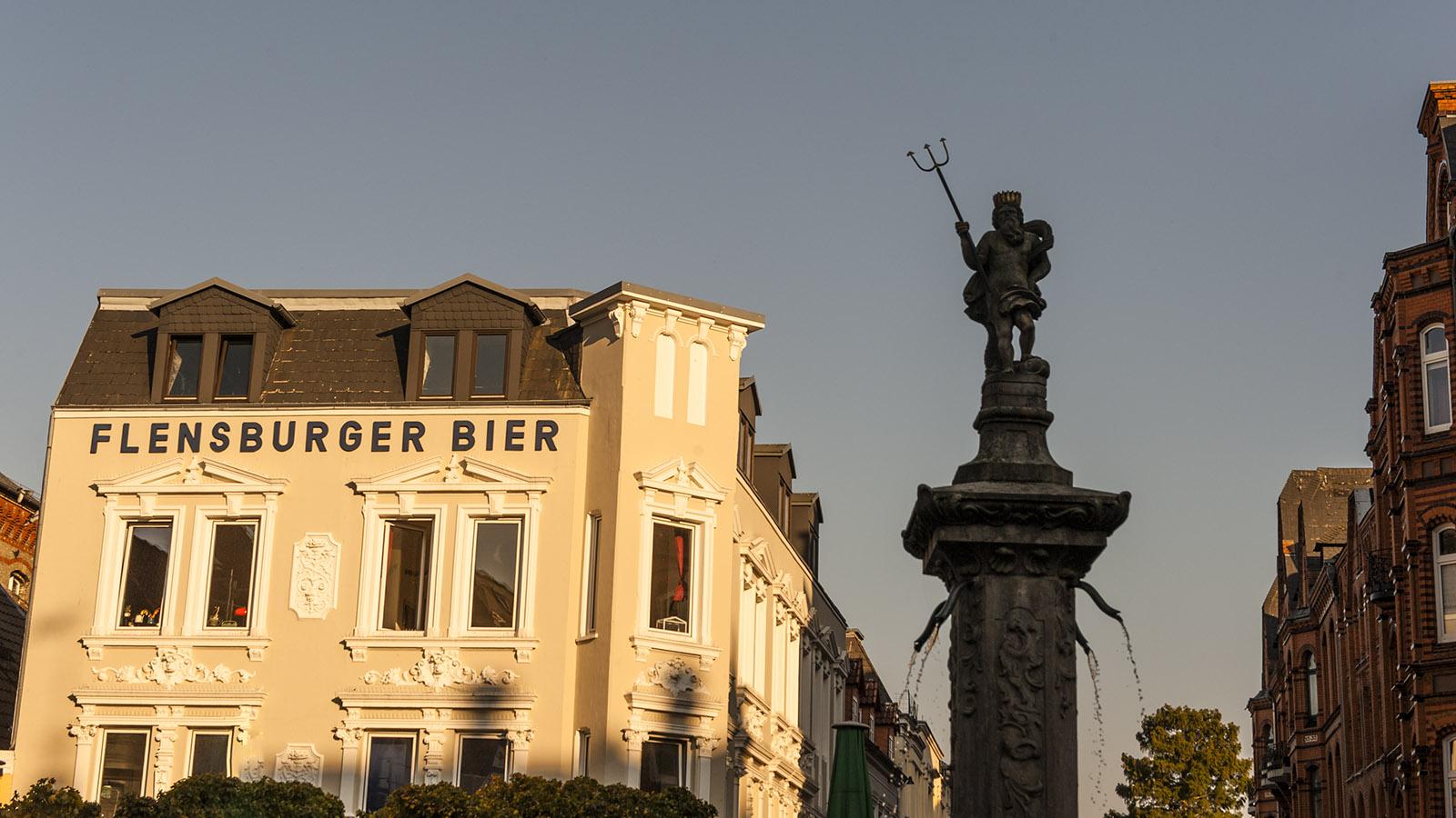 Arbeitgeber, Ausbilder und omnipräsent in der Stadt: die Flensburger Brauerei. Foto: Hilke Maunder