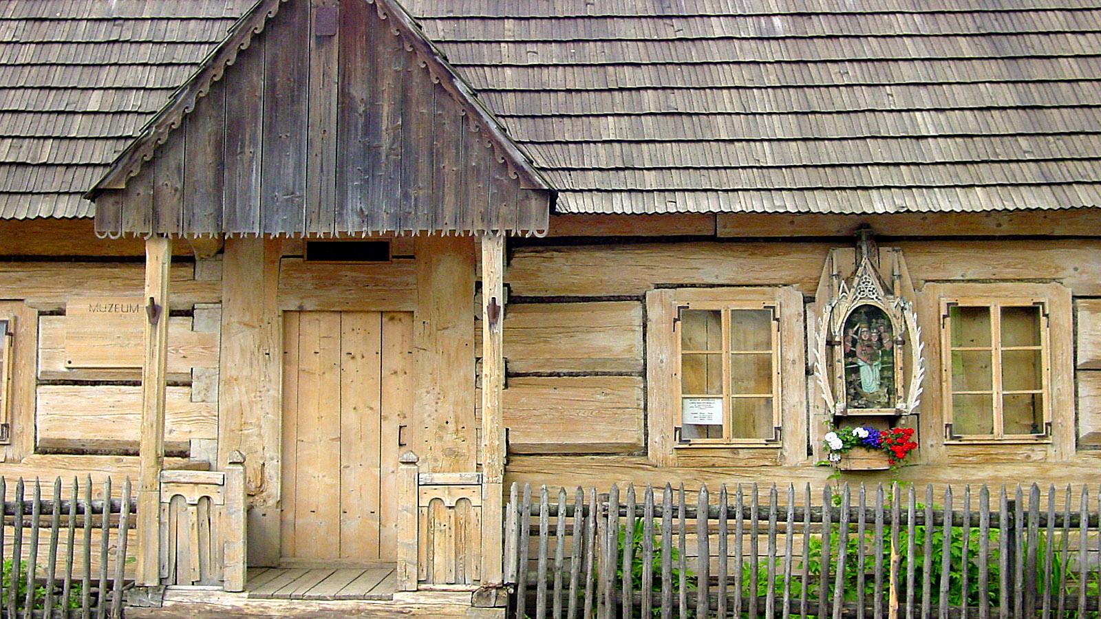 Hohe Tatra, Dieses Haus birgt ein Museum zum Aufstand von Chocholow im Jahr 1846 gegen die HabsburgerHerrschaft. Foto: Hilke Maunder.