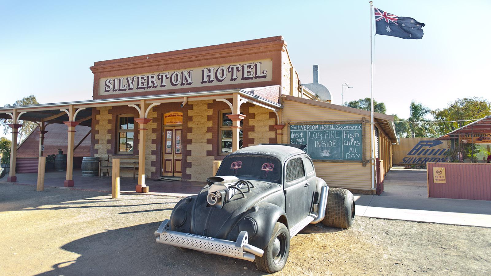 Aussie-Pubs: Das Silverton Hotel im Outback von New South Wales ist bei Werbung und Kino eine beliebte Kulisse. Foto: Hilke Maunder