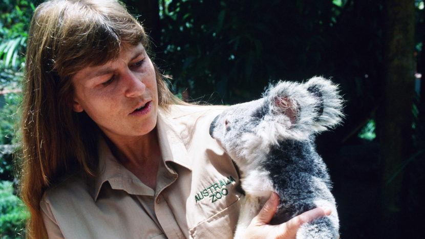 Australia Zoo: Terry Irwin mit einem Koala. Foto: Hilke Maunder