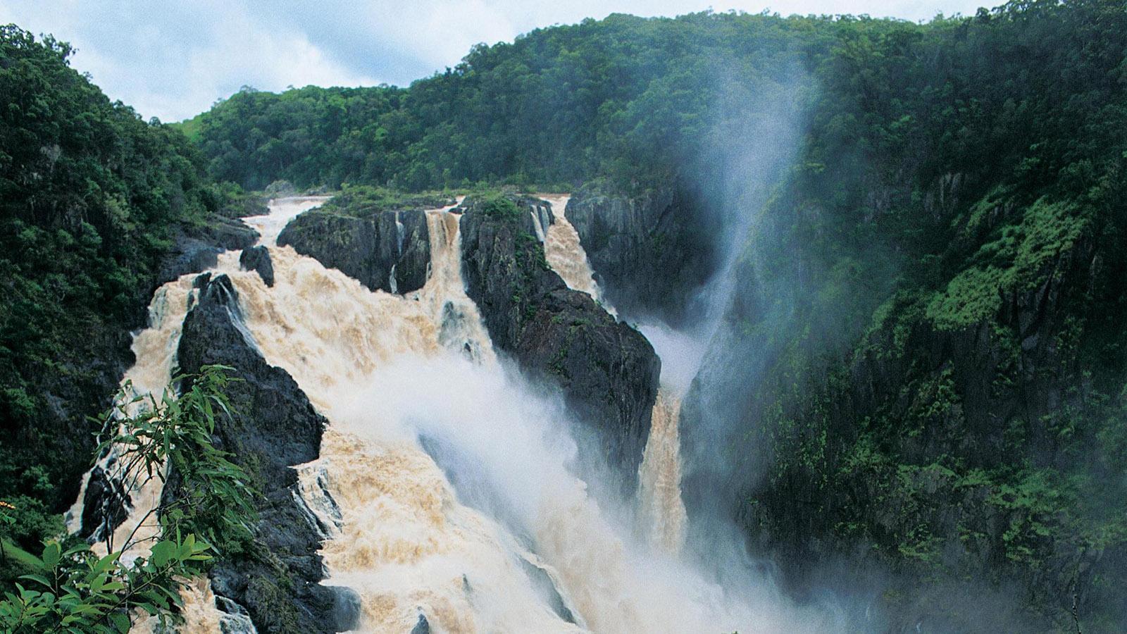 Mal rauschend, mal ein dünnes Rinnsal: die Barron Falls. Foto: Skyrail/Pressebild.