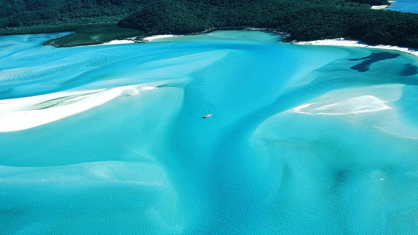 Whitsundays aus der Vogelperspektive: Whitsunday Island mit Whitehaven Beach. Foto: Hilke Maunder