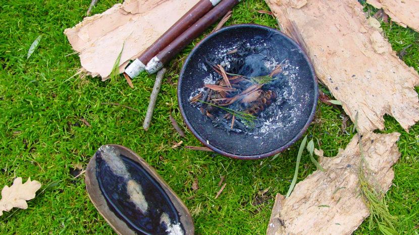 Räuchern reinigt: eine weit verbreitete Meinung bei Naturvölkern, die auch die Aborigines teilen. Foto: Hilke Maunder