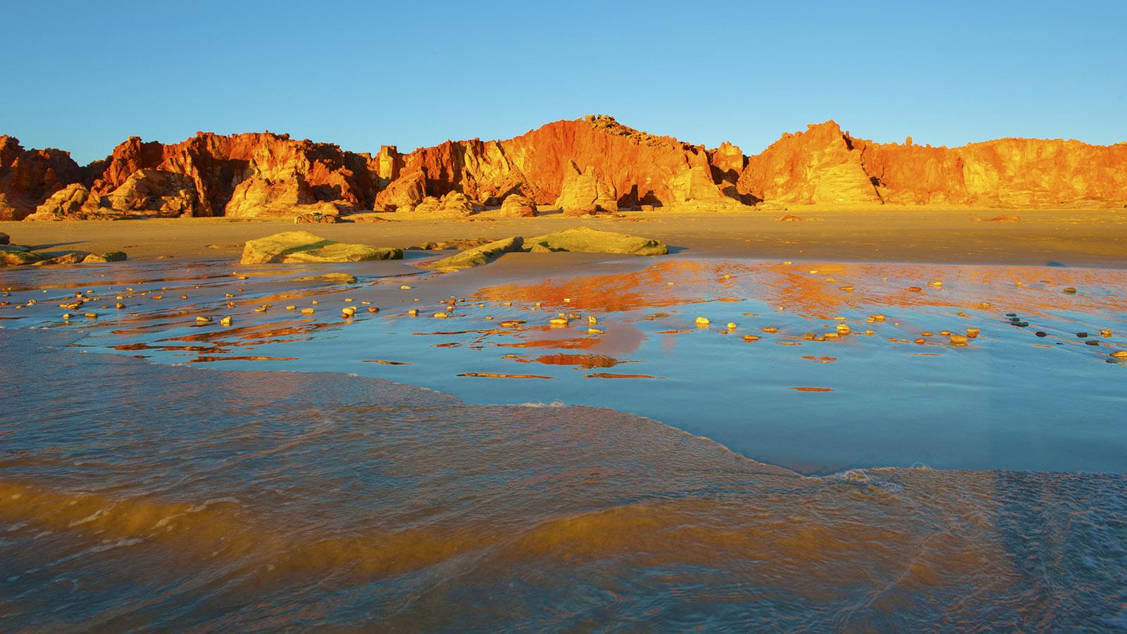 Hausklippen von Kooljaman: die Pindan cliffs von Cape Leveque. Foto: Hilke Maunder