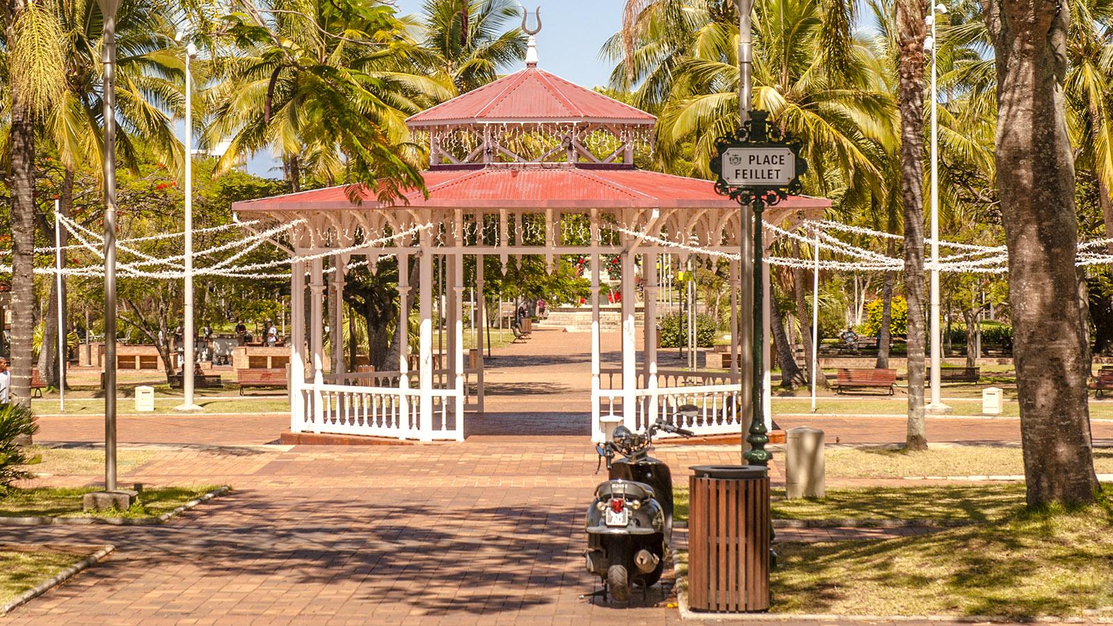 Neukaledonien: Die Place Feillet im Herzen von Nouméa. Foto: Hilke Maunder