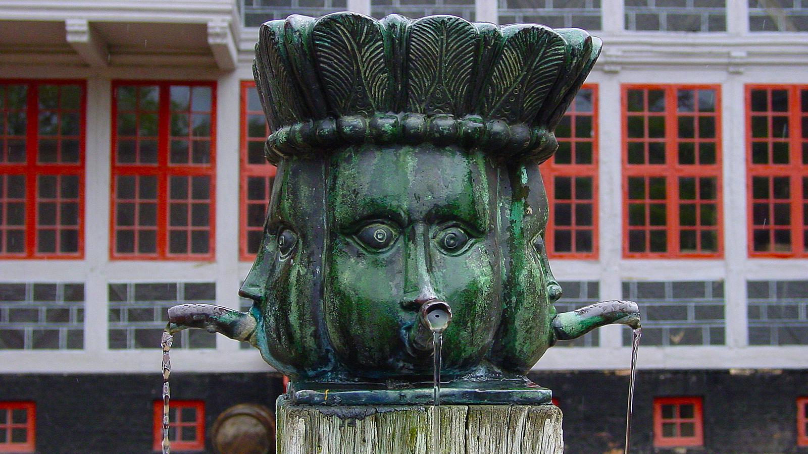 Detail eines Brunnens in den Gamle By. Foto: Hilke Maunder
