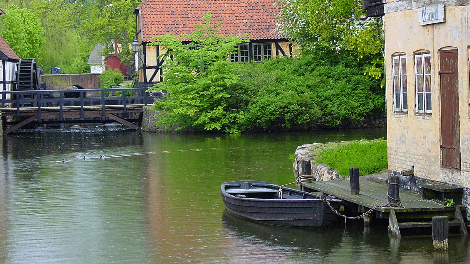 Den Gamle By: Wassermühle und Fachwerkbauten am Wasser. Foto: Hilke Maunder