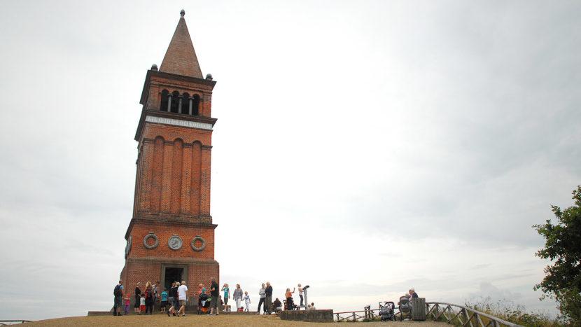 Symbol für den dänischen Nationalstolz: der Turm des Himmelbjerget. Foto: Hilke Maunder
