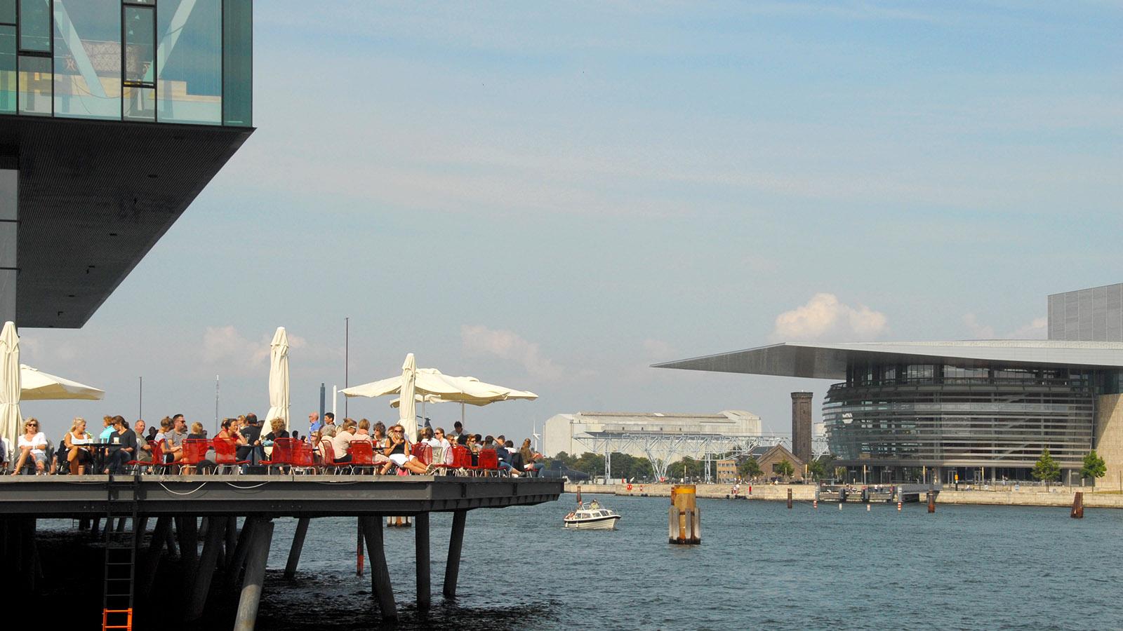 Hygellig und modern: das Schauspielhaus und die Oper. Foto: Hilke Maunder