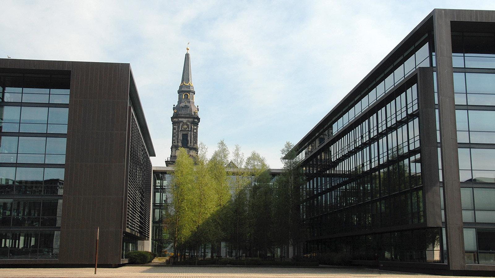 Mit dem Hafenbus unterwegs in Kopenhagen. Christianshavn: die Hauptverwaltung von Nordea. Foto: Hilke Maunder
