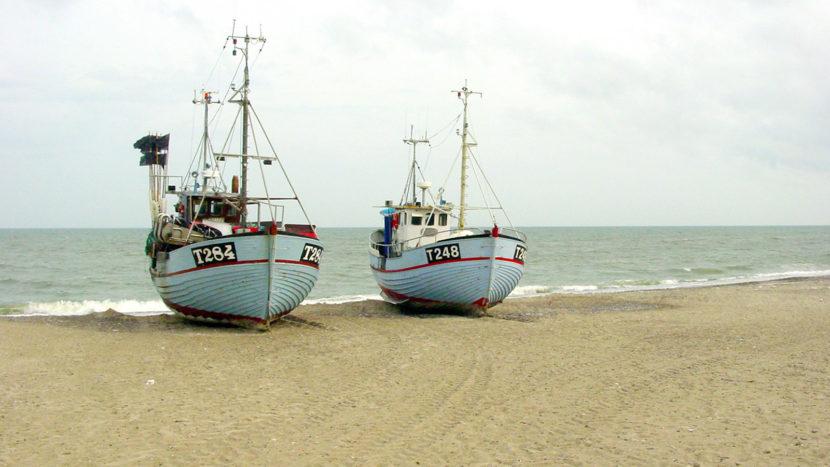 Die letzten Zeugen der Strandfischerei: die Fischerboote von Norre Vorupør. Foto: Hilke Maunder