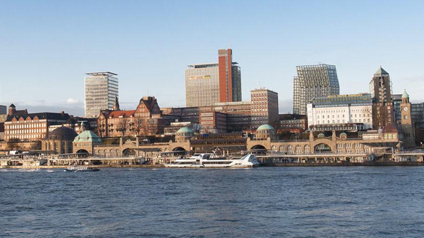Die Landungsbrücken von Hamburg. Foto; Hilke Maunder