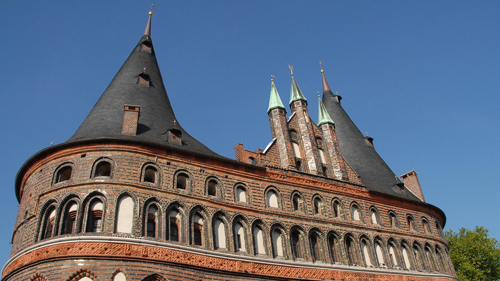 E9: Das Lübecker Holstentor. Foto: Hilke Maunder