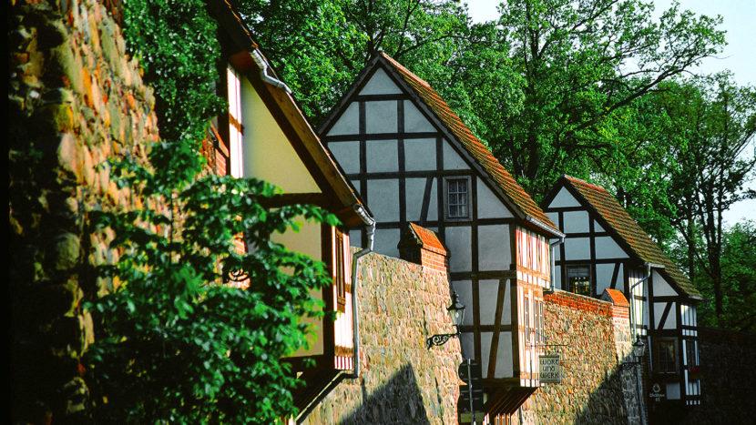 Die Wiek-Häuser von Neubrandenburg. Foto: Hilke Maunder