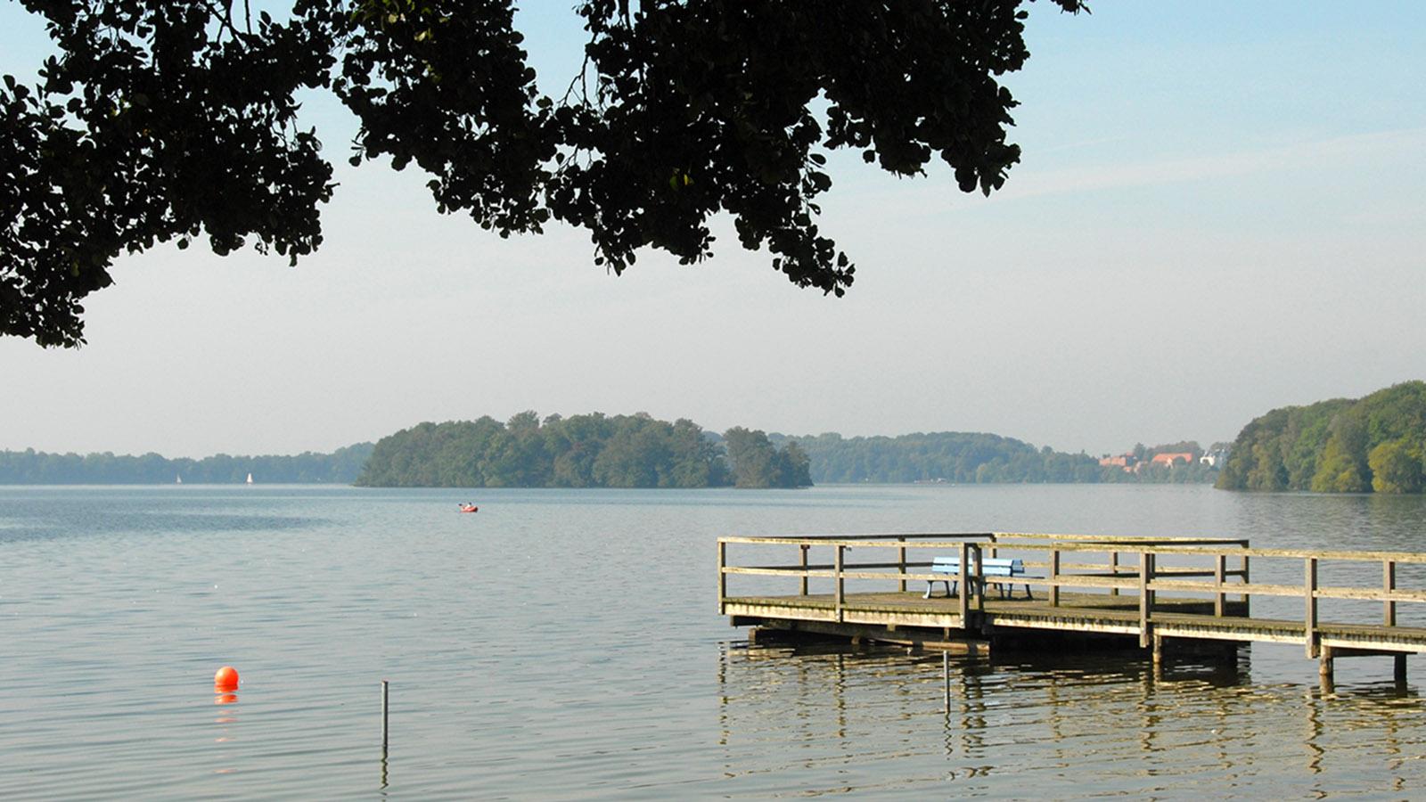 Idyllisches Kanu-Revier: der Große Plöner See. Foto: Hilke Maunder