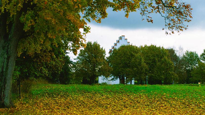 Schonen: die Kirche von Borgeby. Foto: Hilke Maunder