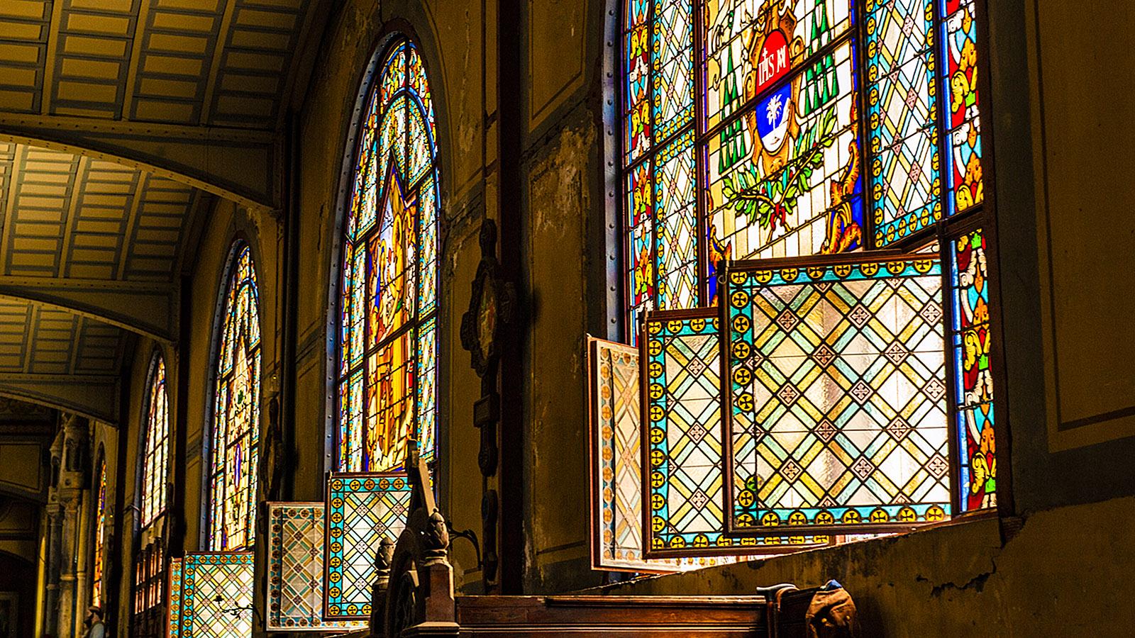 Martinique. Fort-de-France: wunderschön - die Fenster der Kathedrale. Foto: Hilke Maunder
