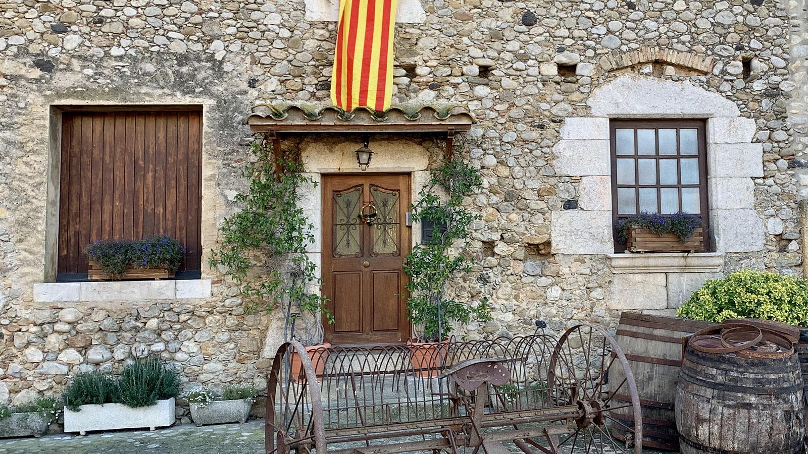 Costa Brava: Allerorten zu sehen - die Farben Kataloniens. Foto: Hilke Maunder