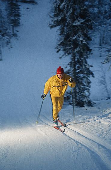 FIN/Lappland/Äkaslompolo: Toivo Quist beim Langlauf