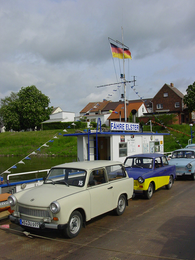 D/Sachsen-Anhalt/Elster: Trabi-Safari; auf der Elbfähre.