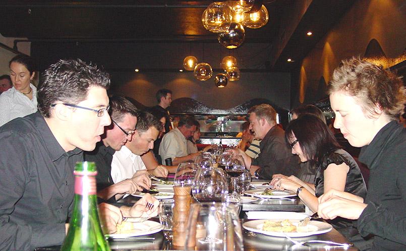 "Gäste im Jamie Oliver Restaurant ""Fifteen"" in Melbourne"