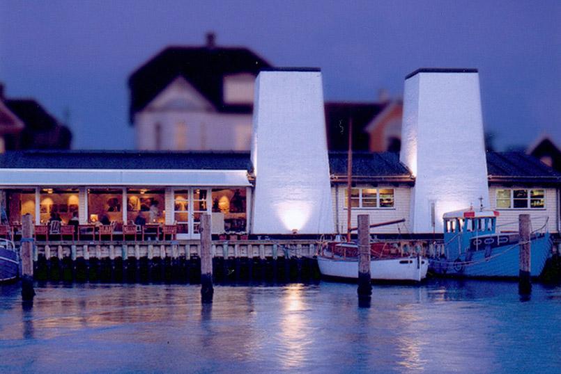 Kerteminde:Im Fischrestaurant Rudolf Mathis ist die Menüküste vom frischen Fischangebot des Tages abhängig.