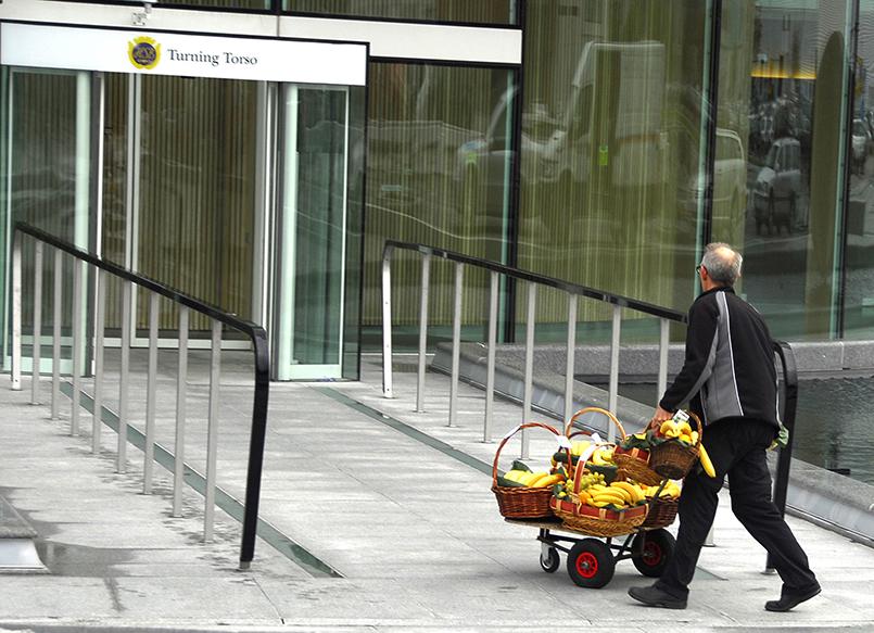 Frisches Obst für die Angestellten, die im Turning Torso von Malmö arbeiten