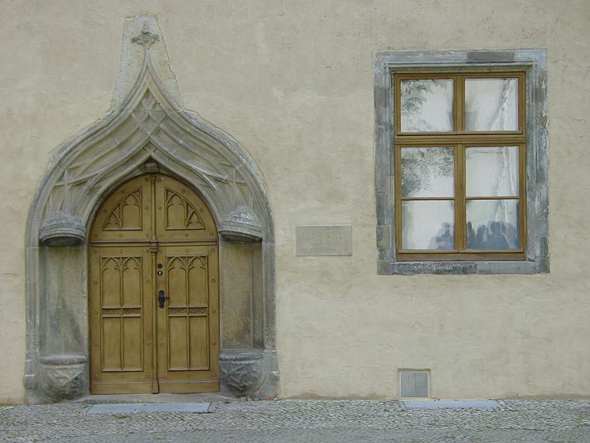 D/Sachsen-Anhalt/Wittenberg: Tür am Lutherhaus.