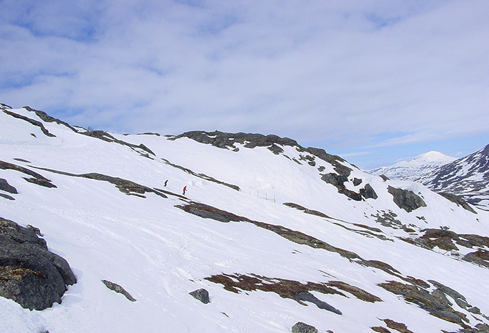 An manchen Stellen ist die Schneedecke nicht geschlossen.