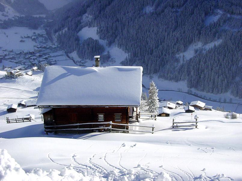 ux: Skigebiet Eggalm, Blick von der Piste am Lattenalmlift auf Vorderlanersbach.