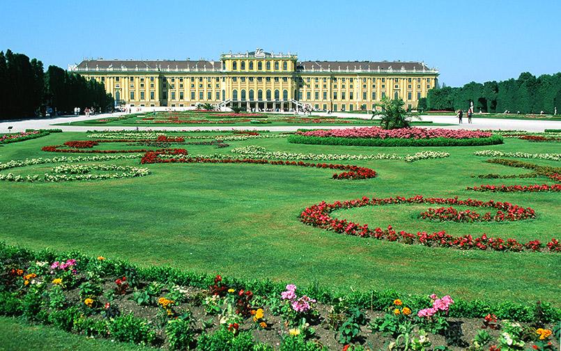 Wien: Schloss Schönbrunn mit seinen Gärten
